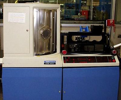 photo of AMT etcher in SNF cleanroom